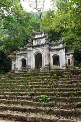 Spelunking in Vietnam