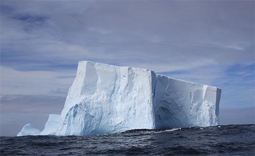 Huge chunks of ice