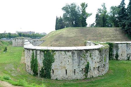 Defense Walls Moat